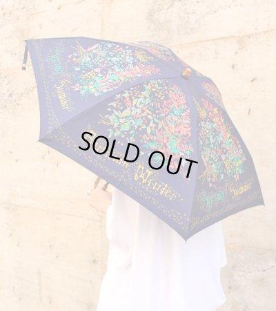 画像2: スカーフ柄晴雨兼用折り畳み傘(バンブーハンドル)
